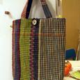 模様織りのかばん 陶器ボタン