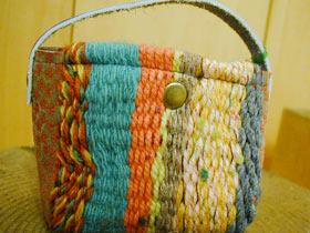 ざっくり織りのミニバスケット