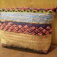 模様織りのポーチ