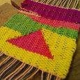 三角のつづれ織り体験